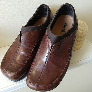 Earth leather loafer